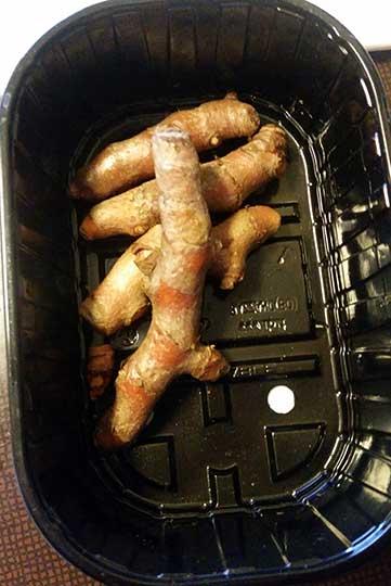 Finnbiff-med-sotpotet-fersk-gurkemeie-og-fersk-koreander-fersk-koreander